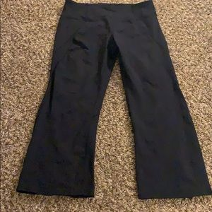 Black ATHLETA Amanda Knicker Capri Pants Med Tall